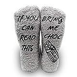 iZoeL Calcetines mullidos para mujer, divertidos calcetines con texto en inglés 'If you can read this bring me', divertidos regalos para mujeres, mamá, abuela, hermana o novia gris y chocolate. 35-39